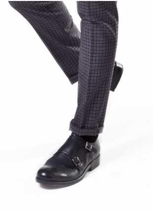 scarpa bassa doppia fibbia John Barritt, in pelle vintage con suola in gomma, colore blu. Composizione 100% pelle. Blue