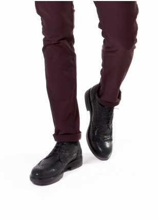 scarpa bassa stringata John Barritt, in pelle vintage derby coda di rondine con suola in gomma, colore nero. Composizione 100% pelle. Nero