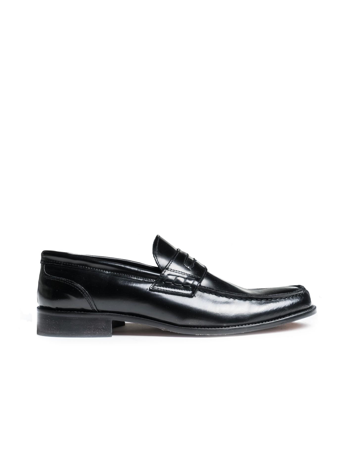 scarpa uomo John Barritt, mocassino in pelle di vitello spazzolato nero,  suola in cuoio. Composizione 100% pelle. Nero