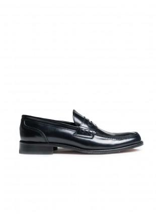 scarpa uomo John Barritt, mocassino in pelle di vitello spazzolato blu, suola in cuoio. Composizione 100% pelle. Blue