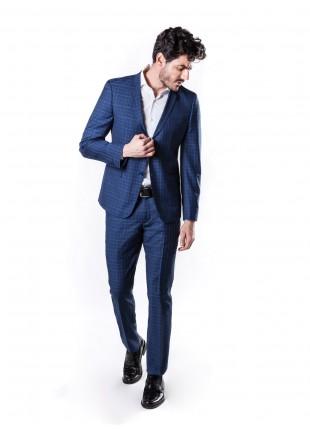 abito uomo primavera-estate John Barritt vestibilita slim, due bottoni, due spacchi e amf. Lunghezza giacca 72 cm. Tessuto con fantasia galles. Composizione 50% lana 50% poliestere. Sky Blue