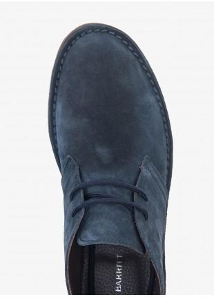 Scarpa uomo John Barritt, modello polacchino in pelle scamosciata, suola in gomma. Colore blu. Composizione 100% pelle. Blue