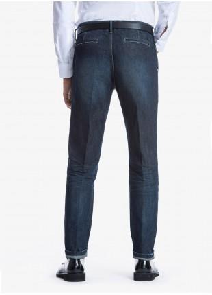Jeans uomo John Barritt con tasche america davanti e tasche a filetto dietro, in denim blu con effetto stone wash. Composizione 100% cotone. Azzurro Carta Da Zucchero