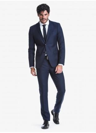 Abito uomo autunno-inverno John Barritt vestibilità slim, due bottoni, due spacchi e amf. Lunghezza giacca 72 cm. Tessuto in pura lana con micro fantasia. Composizione 100% lana. Sky Blue