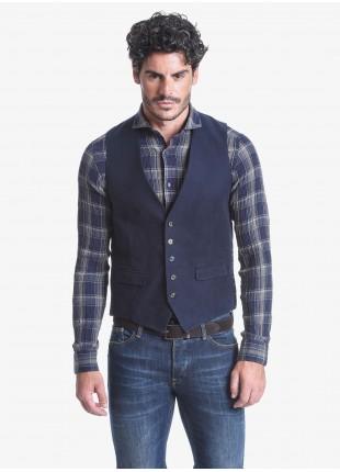 Gilet uomo John Barritt, vestibilità slim, bottoni colorati, tessuto in fustagno lavato. Composizione 100% cotone.  Sky Blue