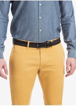 Cintura uomo John Barritt, regolabile, altezza 3,5 cm, in vera pelle intrecciata elastica. Colore marrone scuro. Fibbia in metallo galvanica nikel lucido. Composizione 100% pelle. Marron Chiaro