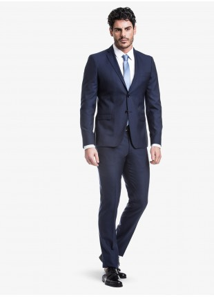 John Barritt spring-summer man suit, slim fit, two buttons, double vent and amf. Lenght jacket 72 cm. Mixed wool fabric with micro design. Composition 70% wool 30% polyester. Bluette