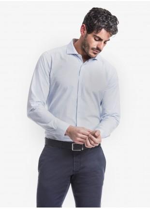 Camicia uomo John Barritt, slim fit, in cotone rigato seersucker, mezzo collo francese, colore bianco/azzurro. Composizione 100% cotone. Blue
