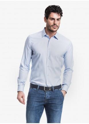 Camicia uomo John Barritt, slim fit, in cotone tinto filo con micro fantasia, collo italiano, colore azzurro. Composizione 100% cotone. Azzurro Carta Da Zucchero