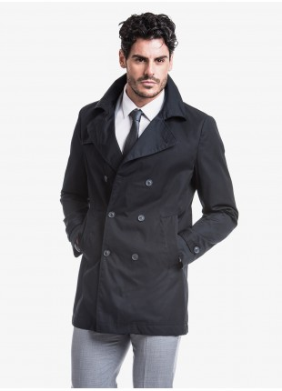 John Barritt man trench, slim fit, without lining, double breast coat with six buttons, breast pockets, vent on back. Composition 62% polyester 38% cotton. Blue