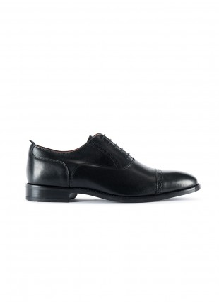 John Barritt man low lace-up french shoes, in real leather embroideried design on top, color black. Leather and rubber sole.