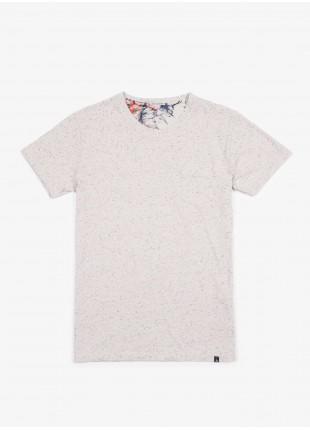 John Barritt t-shirt, slim fit, crew neck fit with short sleeve and pocket on chest. Fancy jersey, old white. 100% cotton.