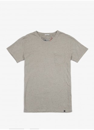 John Barritt t-shirt, slim fit, crew neck fit short sleeve pocket on chest. Fancy jersey, sage green. 100% cotton.