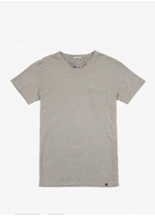 John Barritt t-shirt, slim fit, crew neck fit short sleeve pocket on chest. Fancy jersey, sage green. 100% cotton.