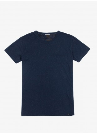 John Barritt t-shirt, slim fit, crew neck fit with short sleeve small pocket. Fancy jersey, color blue. 100% cotton.