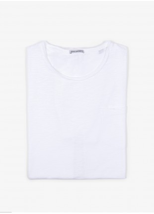 John Barritt man t-shirt, slim fit, crew neck fit with raw edge details, short sleeve, small pocket on chest and colored stitching in contrast. Flamed cotton jersey, color white. Composition 100% cotton. White