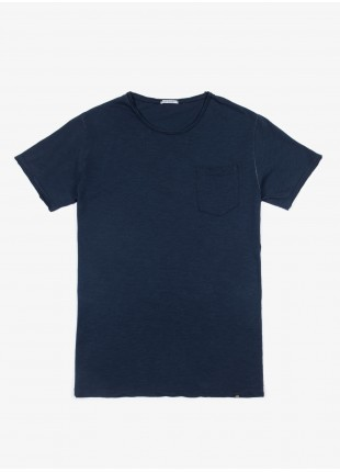 John Barritt t-shirt, slim fit, crew neck, small pocket colored stitching. cotton jersey, blue. 100% cotton.