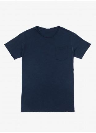 T-shirt John Barritt, slim fit, modello tagliato al vivo, taschino e cuciture colorate. cotone fiammato, blu. 100% cotone.