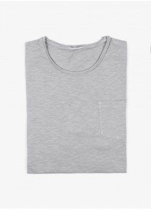 John Barritt man t-shirt, slim fit, crew neck fit with raw edge details, short sleeve, small pocket on chest and colored stitching in contrast. Flamed cotton jersey, color light grey. Composition 100% cotton.  Light Grey Kingdom
