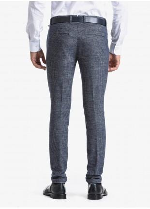 Pantalone sartoriale uomo John Barritt, vestibilita slim, tessuto in misto lana con micro fantasia. Composizione 50% lana 35% poliestere 15% cotone. Sky Blue