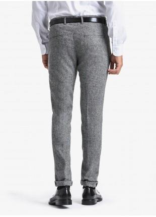 Pantalone sartoriale uomo John Barritt, vestibilita slim, tessuto in misto lana. Composizione 70% lana vergine 23% viscosa 7% poliammide. Grigio Chiaro Melange