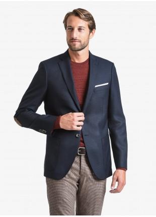 Giacca uomo John Barritt vestibilita regular, foderata, due bottoni, doppio spacco, tasche a toppa, pochette, amf e toppe in alcantara a contrasto. Tessuto con micro armatura, colore blu. Composizione 50% poliestere 50% lana. Blue