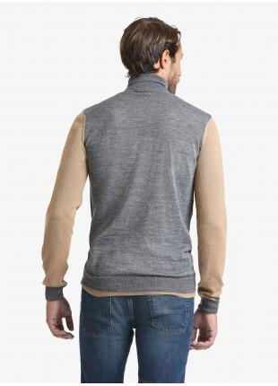Maglia uomo John Barritt vestibilita slim, dolcevita, maniche e dettagli a contrasto. Composizione 50% lana 50% acrilico. Grigio Medio Melange