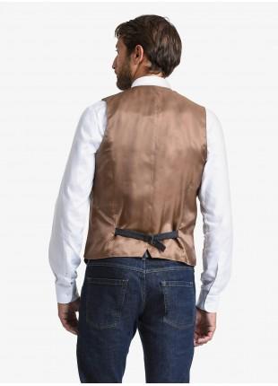 Gilet uomo John Barritt, vestibilita slim, tessuti a contrasto davanti, tasche a filetto davanti e cinturino dietro. Tessuto in flanella, colore grigio. Composizione 50% lana 35% poliestere 15% cotone. Grigio Medio Melange