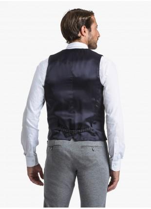 Gilet uomo John Barritt, vestibilita slim, tessuti a contrasto davanti, tasche a filetto davanti e cinturino dietro. Tessuto in jersey, colore blu. Composizione 34% poliammide 31% lana 30% cotone 5% elastan. Blue