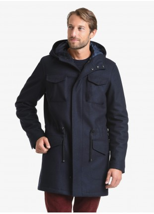 John Barritt man parka, full body lining with padding, closure by zip and buttons, adjustable coulisse on the waist, hood. Composition 75% wool 25% polyamide. Blue