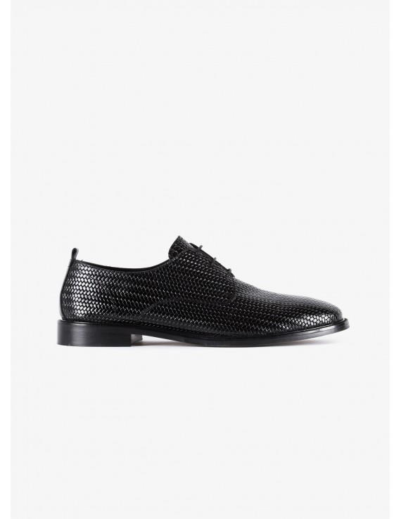 John Barritt man derby shoes, in leather printed with weaving texture, leather sole. Color black. Composition 100% lamb leather. Nero