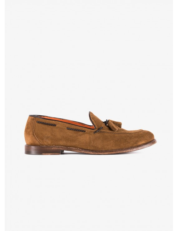 John Barritt man shoes, loafer style, in suede leather color light brown, leather sole washed. Composition 100% lamb leather. Caramel