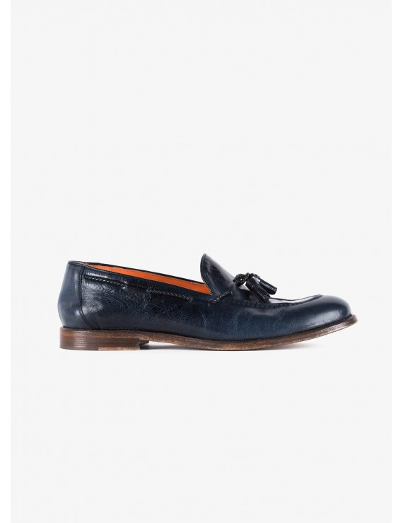 John Barritt man shoes, loafer style, in leather color blue, leather sole washed. Composition 100% lamb leather. Blue