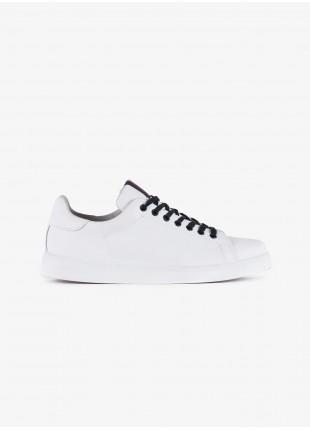 Sneakers uomo John Barritt, in pelle colore bianco con dettagli colorati. Suola in gomma. Composizione 100% pelle. White
