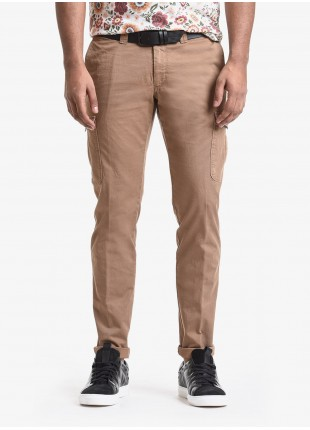 John Barritt man pants, cargo style, slim fit, in cotton fabric, garment-dyed. Composition 98% cotton 2% elastane. Burned Brown