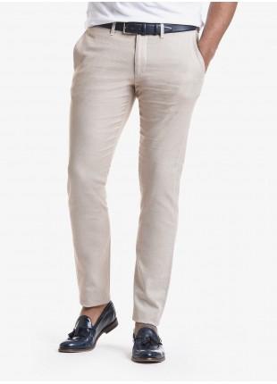 John Barritt man chinos, slim fit, in cotton poplin, garment-dyed. Composition 97% cotton 3% elastane. Beige