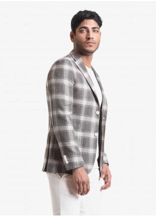 Giacca uomo John Barritt vestibilita slim, semi-foderata, due bottoni, doppio spacco, tasche a toppa. Tessuto con fantasia a check, colore marrone. Composizione 59% lana vergine 33% cotone 8% lino. Marron Chiaro