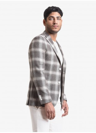 John Barritt man jacket, slim fit, half body lining, two buttons, double vent, patch pockets. Fabric with check design, colore brown. Composition 59% pure wool 33% cotton 8% linen. Light Brown