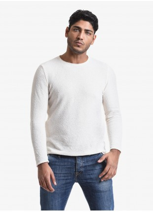 John Barritt man crew neck sweater, slim fit, yarn with sponge effect. Composition 65% cotton 35% polyamide. White
