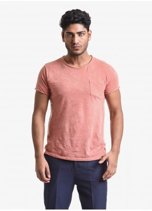 T-shirt uomo John Barritt, vestibilita slim, girocollo, manica corta, taschino sul petto. Tessuto in cotone fiammato con cuciture sui fianchi a contrasto. Colore arancione. Composizione 100% cotone. Orange