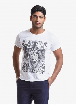 John Barritt man t-shirt, slim fit, crew neck fit, short sleeve. Flamed jersey fabric with print. Color white. Composition 100% cotton. White