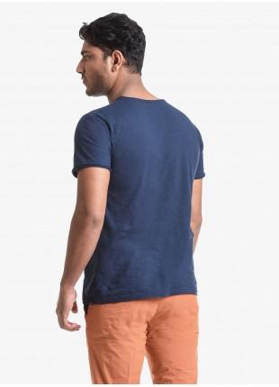 T-shirt uomo John Barritt, vestibilita slim, girocollo, manica corta, taschino sul petto. Tessuto in cotone fiammato con spruzzi e pennellate manuali. Colore blu. Composizione 100% cotone. Blue