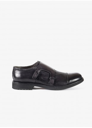John Barritt man low lace-up shoes, with double buckle. In garment-dyed lamb leather, color charcoal grey. Rubber sole. Composition 100% lamb leather. Dark Grey Melange