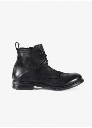 John Barritt man high shoes, boots style with side zip. In real leather, color black. Rubber sole. Composition 100% lamb leather. Nero