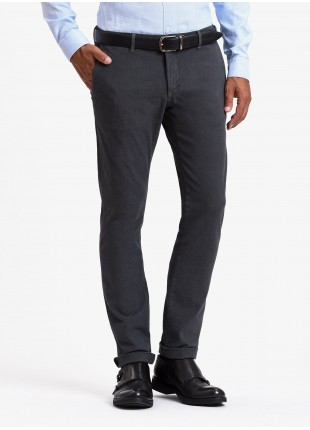 John Barritt man chinos, slim fit, stretch cotton fabric, garment-dyed, with micro design. Color brown. Composition 97% cotton 3% elastane. Grigio Scuro Unito