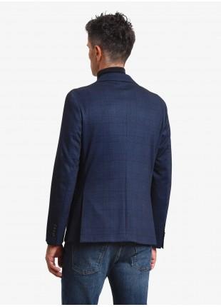 Giacca uomo John Barritt, vestibilita slim, foderata, due bottoni, doppio spacco, tasche a toppa, pochette e amf. Tessuto in jersey con fantasia a quadri stampata. Colore blu. Composizione 60% poliestere 35% viscosa 5% elastan. Blue