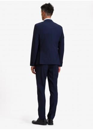 Abito uomo autunno-inverno John Barritt vestibilita slim, due bottoni, due spacchi e amf. Lunghezza giacca 72 cm. Tessuto in misto lana. Colore blu. Composizione 50% lana 35% poliestere 10% cupro 5% elastan. Sky Blue