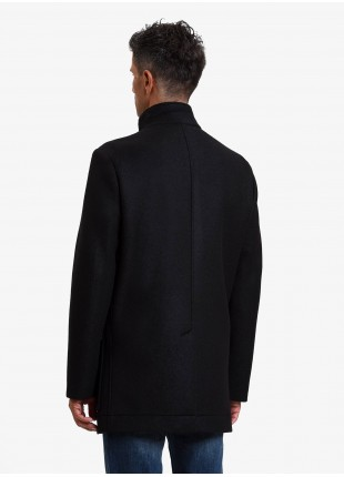 John Barritt man coat, without lining, slim fit, front closure with 4 buttons, neck band, single vent. Mixed wool bounded fabric, color black. Composition 60% polyester 25% acrylic 12% virgin wool 3% elastane. Nero