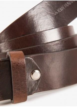 Cintura uomo John Barritt, regolabile, altezza 3,5 cm, in pelle vintage, colore marrone. Fibbia in metallo galvanica nikel satinato. Composizione 100% pelle. Marron Chiaro