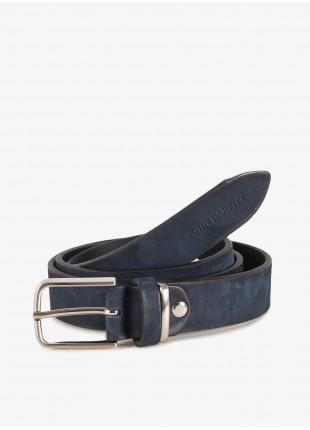 Cintura uomo John Barritt, regolabile, altezza 3,5 cm, in pelle vintage, colore blu. Fibbia in metallo galvanica nikel satinato. Composizione 100% pelle. Blue